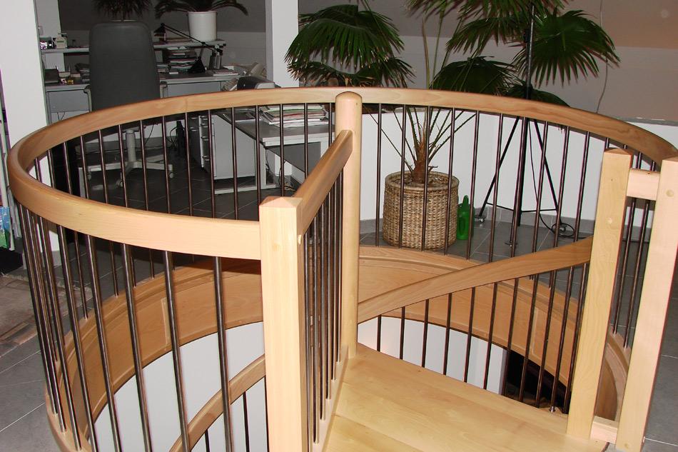 merbau treppenhersteller spindel treppen schody. Black Bedroom Furniture Sets. Home Design Ideas